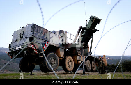 Barbed wire surrounds the camp of the German Armed Forces in Kahramanmaras, Turkey, 24 February 2013. German chancellor - Stock Photo