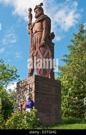 Scotland, Scottish Borders, William Wallace statue at Bemersyde estate near Melrose, erected 1814 - Stock Photo
