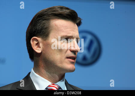 VW Brand Director Wolfgang Bernhard speaks at the presentation of the BLUETEC initiative of Volkswagen, Mercedes, - Stock Photo