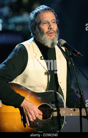 Singer Yusuf Islam aka Cat Stevens sings at the TV show 'Bet, that..?' (Wetten, dass..?) in Bremen, Germany, Saturday, - Stock Photo
