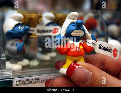'Smurfs' by the toy company Schleich are pictured at a shop in Stuttgart, Germany, Monday 18 December 2006. HgCapital - Stock Photo