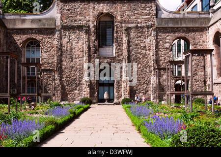Christ Church Newgate Street London Garden In Nave Stock Photo Royalty Free Image 106687797