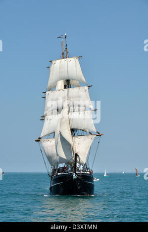 Kaskelot, three-masted barque, with hull wood, built in Denmark in 1948 (Home port : Bristol, UK), sailing in Quiberon - Stock Photo