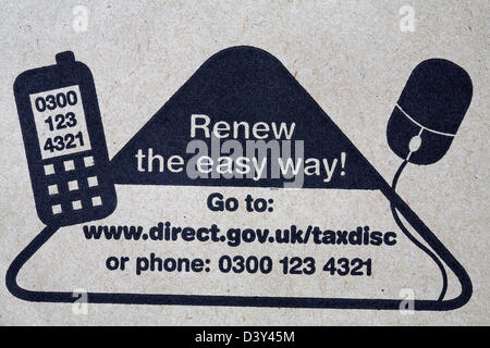 renew the easy way - internet or phone stamped on envelope for tax renewal reminder from Driver and Vehicle Licensing - Stock Photo