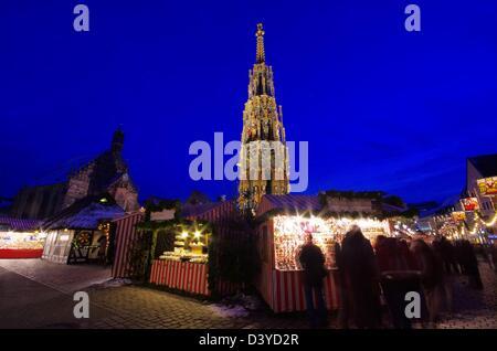 Nürnberg Weihnachtsmarkt - Nuremberg christmas market 01 - Stock Photo