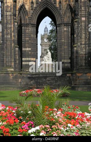 Sir Walter Scott Monument and Statue in East Princes Street Gardens, Edinburgh city centre, Scotland, UK - Stock Photo