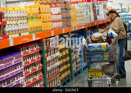 Costco wholesale stock photo 139489384 alamy customers shopping in the candy and snacks section of a costco wholesale warehouse club thecheapjerseys Images