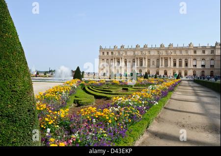 Versailles france garden jardin chateau de versailles for Jardin chateau de versailles