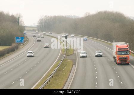m6 motorway uk motorways network quite traffic three 3 lane lanes - Stock Photo