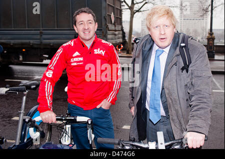 London, UK. 7th March 2013. The Mayor of London Boris Johnson and British Cycling's Chris Boardman MBE – a former - Stock Photo