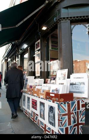 Prints shop, Portobello Road, Notting Hill, London, W11, UK - Stock Photo