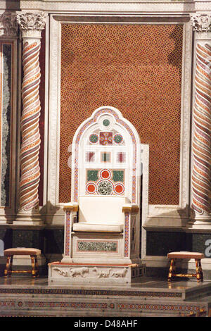 Abandoned throne of the Pope in his function as bishop of Rome in the Basilica 'San Giovanni in Laterano' which - Stock Photo