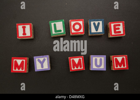 I love my mum message in blocks - Stock Photo
