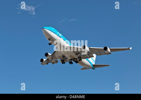 Boeing 747 Jumbo jet of KLM Asia on final approach - Stock Photo