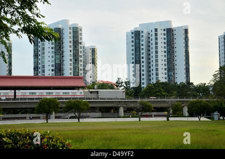 Singapore subway train at Chinese Gardens station - Stock Photo
