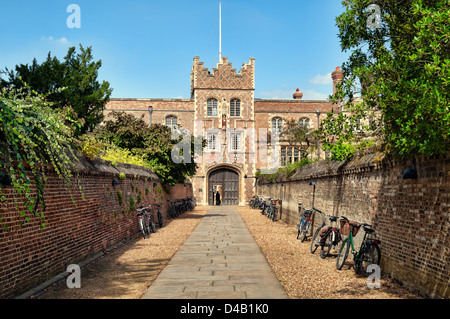 Entrance to Jesus College and bikes. - Stock Photo