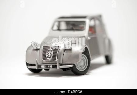citroen 2cv scale model retro iconic french motor car - Stock Photo