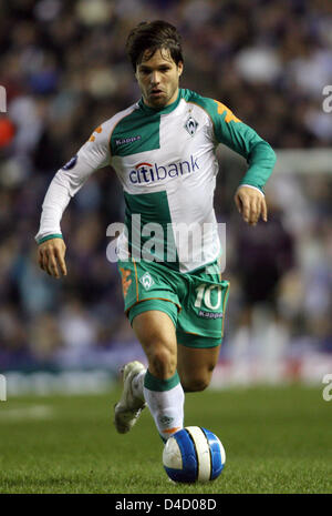 Bremen's Diego leads the ball during the UEFA Cup round of last sixteen first leg match Glasgow Rangers vs Werder - Stock Photo