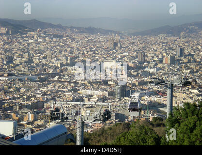 The picture shows a view of Barcelona from the Montjuic mountain, Spain, 29 February 2008. Photo: Uwe Zucchi - Stock Photo