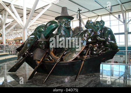 (dpa file) The picture shows the sculpture 'The Spirit of the Haida Gwaii, The Jade Canoe' by Haida artist Bill - Stock Photo