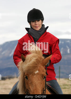 Crown Princess Mary rides an Icelandic horse at the Dalland Farm in Nesjavellir, Iceland, 06 May 2008. The Danish - Stock Photo