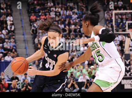 March 12, 2013 - Hartford, CT, USA - Tuesday March 12, 2013: Connecticut Huskies guard Kelly Faris (34) drives to - Stock Photo
