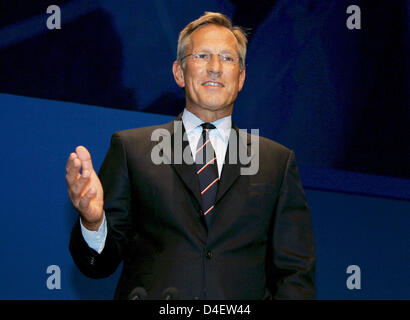CEO of Allianz AG Michael Diekmann is pictured at the company's general meeting at the Olympic Hall in Munich, Germany, 21 May 2008. Allianz made a record profit. Diekmann affirmed talks about a reorganisation of the bank industry of Allianz. Photo: MATTHIAS SCHRADER