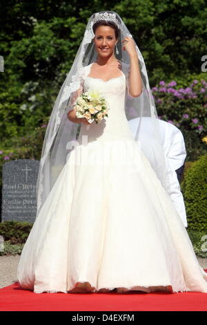 Marie Chevallier arrives at the church for the wedding with Prince Joachim of Denmark in Mogeltonder, Denmark, 24 May 2008. Photo: Kay Nietfeld