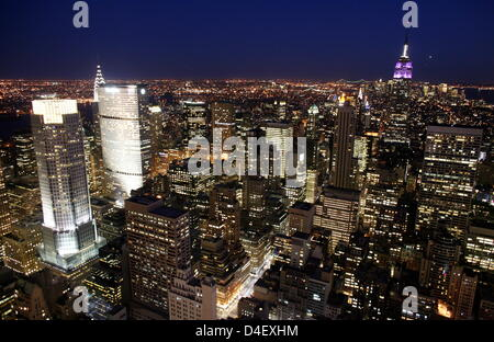 The picture shows a view of New York City at twilight, in New York City, NY, 15 May 2008. Photo: Kay Nietfeld - Stock Photo