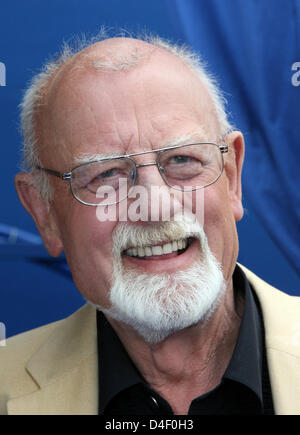 Singer Roger Whittaker pictured at the TV music show 'Immer wieder Sonntags' ('Sunday again and again') at Europapark - Stock Photo