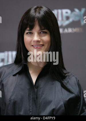 US actress Selma Blair poses during the photo call on her film 'Hellboy II - The Golden Army' in Berlin, Germany, - Stock Photo