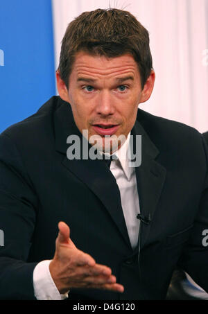 American actor Ethan Hawke is pictured at the press conference of the movie 'What Doesn't Kill You' during the 2008 - Stock Photo