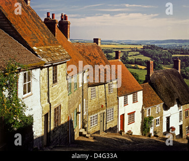 GB - DORSET: Gold Hill at Shaftesbury - Stock Photo