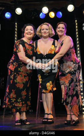 New Orleans based group 'The Pfister Sisters' (L-R) Holley Bendtsen, Debbie Davis and Yvette Voelker perform on - Stock Photo