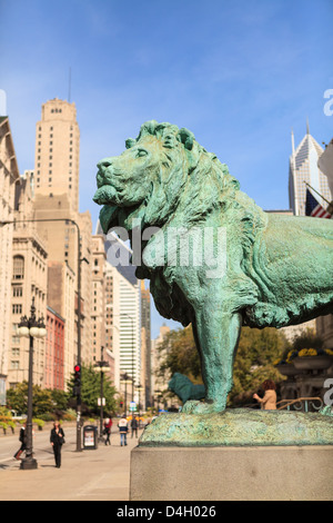One of the two iconic bronze lion statues outside the Art Institute of Chicago, Chicago, Illinois, USA - Stock Photo