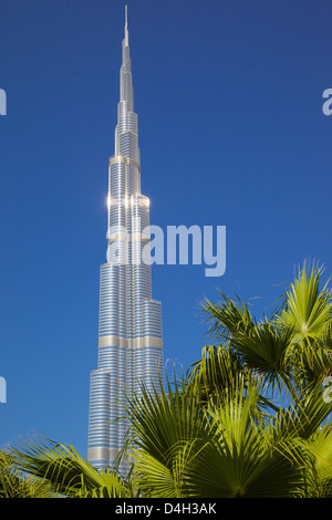 The Burj Khalifa, World's tallest building, Dubai, United Arab Emirates, Middle East - Stock Photo