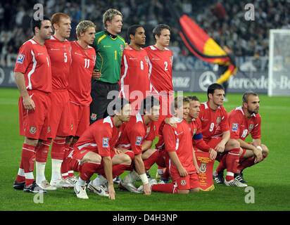The Welsh national team (back row L-R) Craig Morgan, James Collins, David Edwards, Wayne Hennessey, Ashley Williams, - Stock Photo