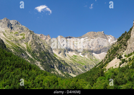 Karst limestone peaks within Ordesa and Monte Perdido National Park, Spanish Pyrenees, Huesca, Aragon, Spain - Stock Photo