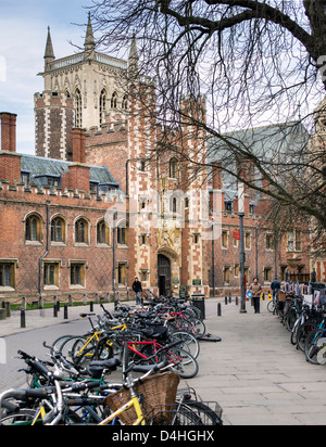 Front entrance to the medieval college of St John's, Cambridge University, England. - Stock Photo