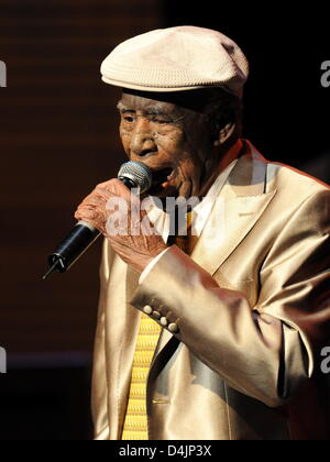 Singer Reynaldo Creagh performs at the music show ?The Bar at Buena Vista? at Prinzregententheater in Munich, Germany, - Stock Photo