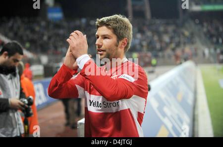 Stuttgart?s Thomas Hitzlsperger applauds after the Bundesliga soccer match SC Karlsruhe vs VfB Stuttgart at ?Wildparkstadion? - Stock Photo