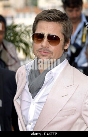 US actor Brad Pitt poses prior to the press conference on the film ?Inglourious Basterds? during the 62nd Cannes - Stock Photo