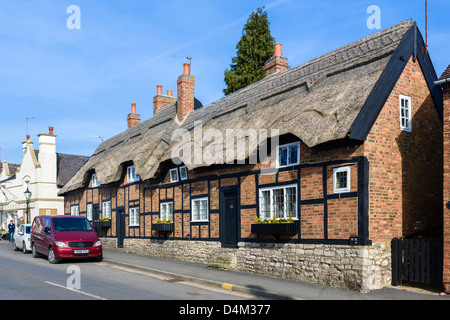 Thatched houses on the Market Place in Market Bosworth, Leicestershire, East Midlands, UK - Stock Photo