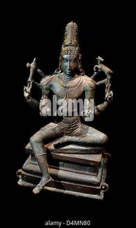 Vishapaharana ( Vishapaharanar ) Kilappudanur Nannilam Tiruvarur  Shiva 9th Century AD India Hindu Bronze statuette - Stock Photo