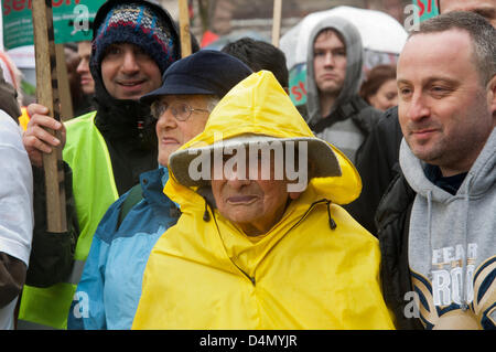 London UK, 16th March 2013. Hetty Bower, 107, joins thousands of protesters  as they march through Islington to - Stock Photo
