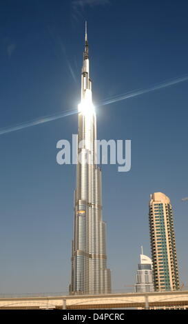 The picture shows the world?s highest building, the Burj Dubai, in Dubai, United Arab Emirates, 31 May 2009. The - Stock Photo