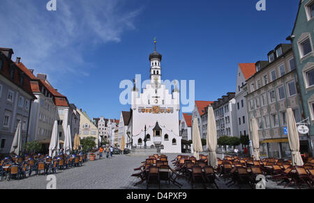 Guildhall and town hall square in Kempten, Germany, 17 June 2009. Photo: Karl-Josef Hildenbrand - Stock Photo