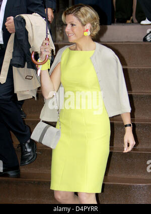 Princess Maxima of the Netherlands leaves New York, NY, USA, 11 September 2009. The official visit of the couple - Stock Photo