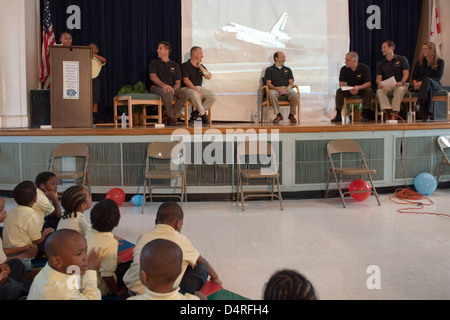STS-127 Crew Visit to Anne Beers Elementary (200909240004HQ) - Stock Photo