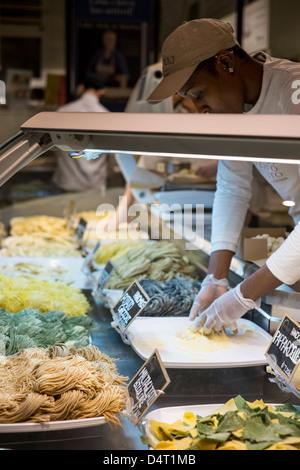 Fresh home made pasta. Eataly market, New York - Stock Photo